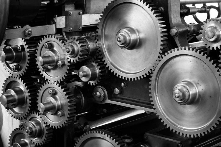 Limpeza dos equipamentos industriais deve ser periódica nas empresas