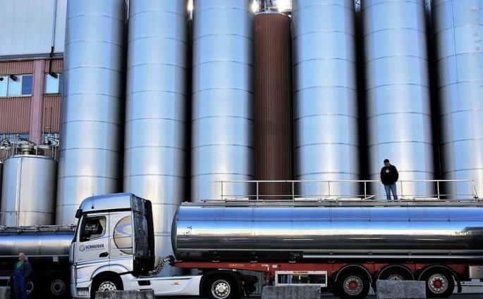 Indústria de laticínio requer atenção à limpeza do tanque misturador